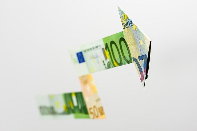 šipka z peněz