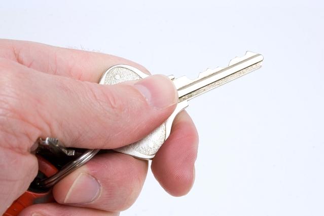 klíče od nového auta, která si za peníze koupíte