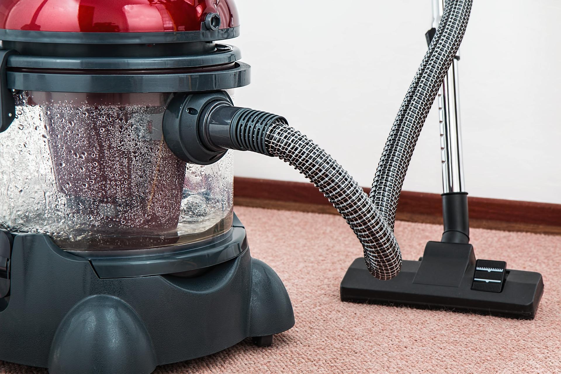 vacuum-cleaner-g0983d76b0_1920